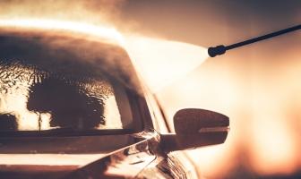Gosta de lavar o carro? Confira essas dicas.